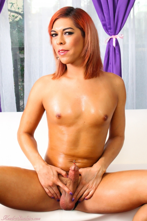 Kendra Sinclaire - Pop Princess Plays with her Pussy [HD 720p] - KendraSinclaire.com