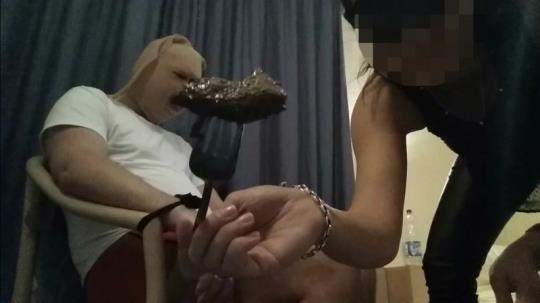 Scat Porn: Prisoner of goddess is fed with shit (FullHD/1080p/1.46 GB) 15.02.2017