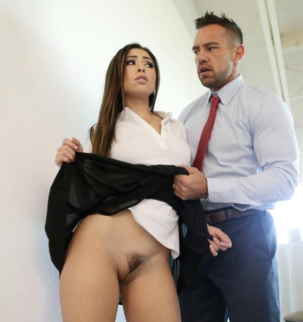 Melissa Moore - Put Some Panties On (Nubiles-Porn) [HD 720p]