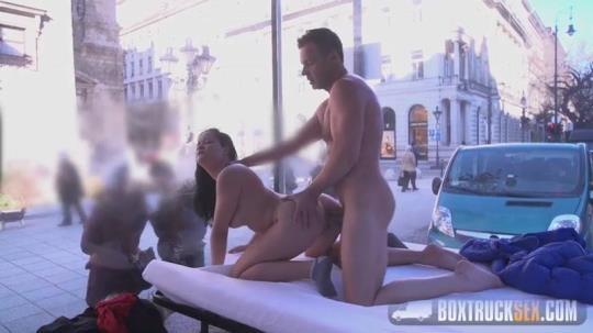 BoxTruckSex: Dolly Diore - Public Sex (SD/480p/383 MB) 21.02.2017