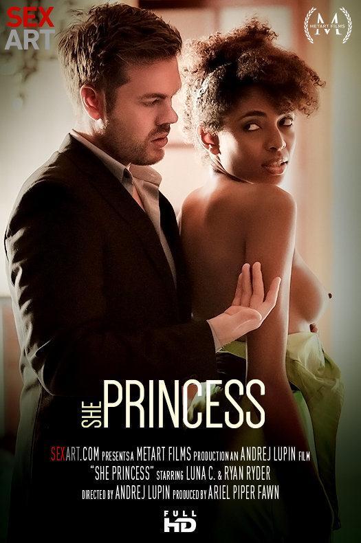 Luna Corazon - She Princess / 01 Feb 2017 [SexArt / SD]