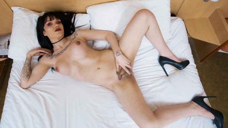 uk-tgirls.com: Cece Adams - You Can't Go Wrong With Cece [HD] (624 MB)