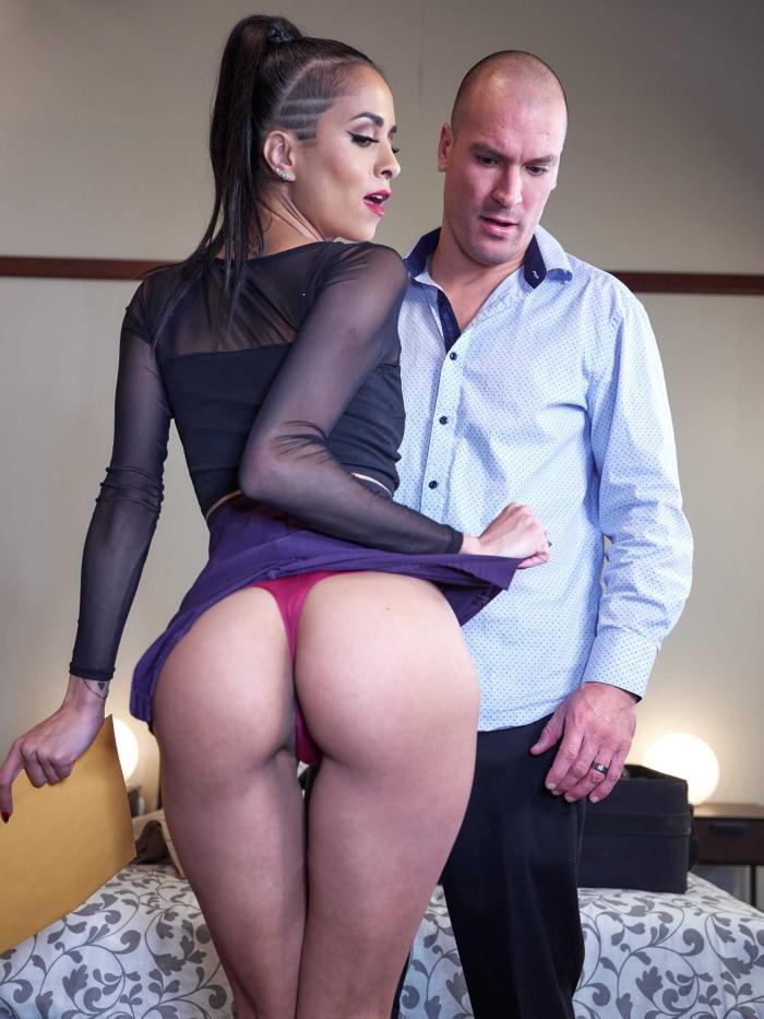 BrazzersExxtra/Brazzers: Abby Lee Brazil - Slut Hotel: Part 1  [HD 720p]  (Anal)