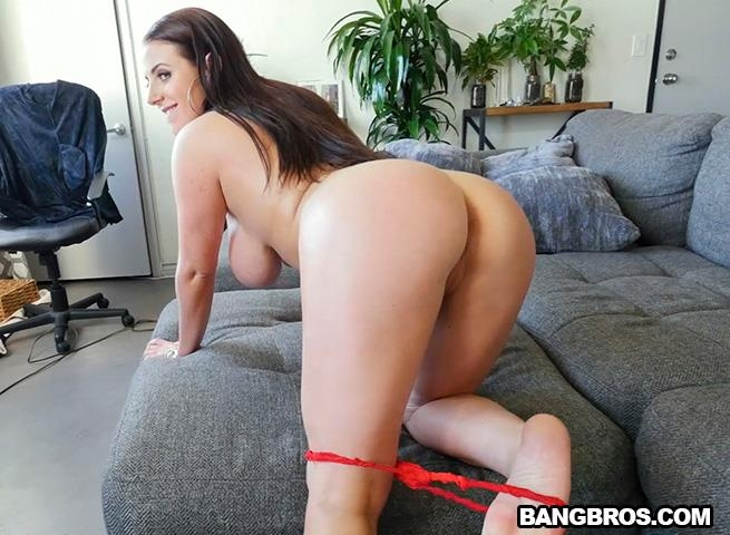 [BigTitsRoundAsses.com / BangBros.com] Angela White - Angela White's 32 double g tits are breathtaking [SD, 480p] - 379 MB