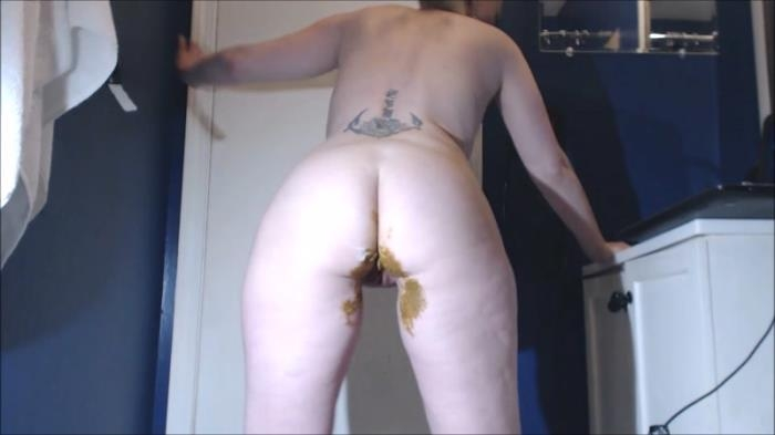 Giant Poo In My Pink Nike Tempo Gym Shorts - Solo Scat (Scat Porn) FullHD 1080p