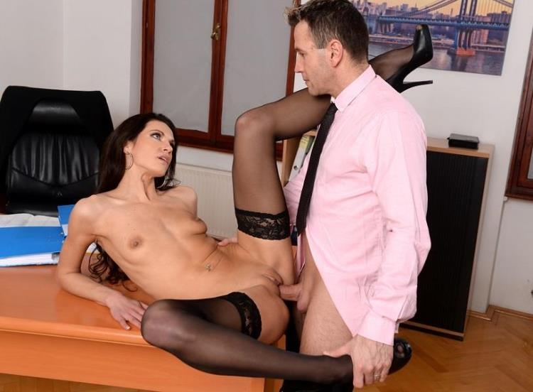 Linda Moretti - Business Affairs / 03.03.2017 [21Sextury, PixAndVideo / SD]