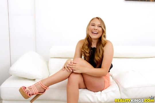 FirstTimeAuditions, RealityKings: Alyssa Cole - Give It To Me (SD/432p/563 MB) 28.03.2017