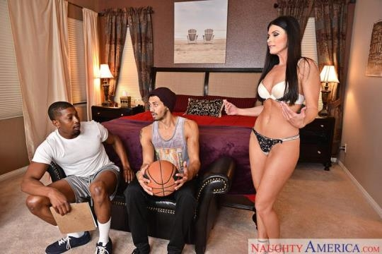 SeducedByACougar, NaughtyAmerica: India Summer (SD/360p/238 MB) 06.03.2017
