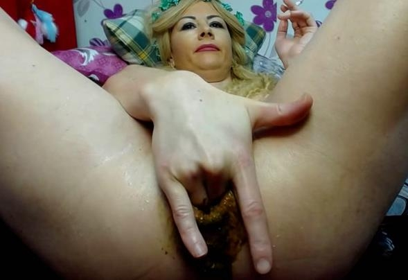 Butt Plug and Bead Food / 28.03.2017 [Scat / FullHD]