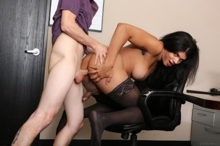 DevilsFilm.com - Chad Diamond, Morena Black - Tranny Glory Hole Surprise 3 [HD, 720p]