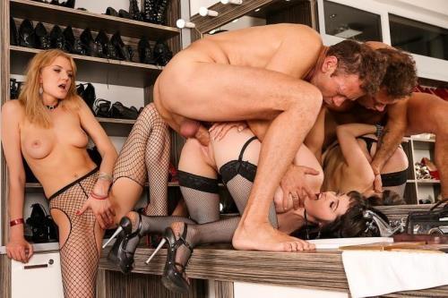 Roccosiffredi.com [Natty Mellow, Bree Haze, Rocco Siffredi, Mugur - Rocco\'s Perfect Slaves 11] SD, 400p