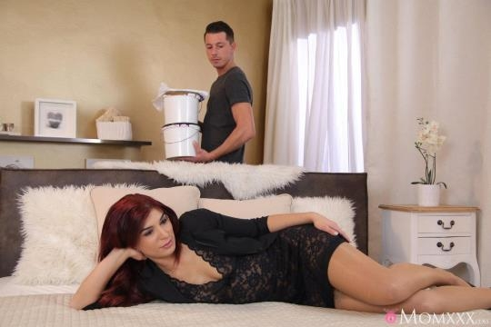 MomXXX, SexyHub: Jessica Red - Horny MILF seduces young handyman (SD/480p/262 MB) 09.03.2017