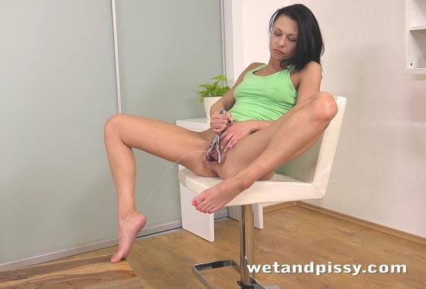 Kara - Piss with Masturbate Pussy [WetAndPissy / HD]
