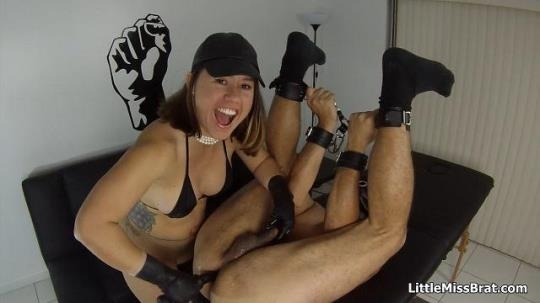 Littlemissbrat: Hard Fisting for my Boy (HD/720p/280 MB) 22.03.2017