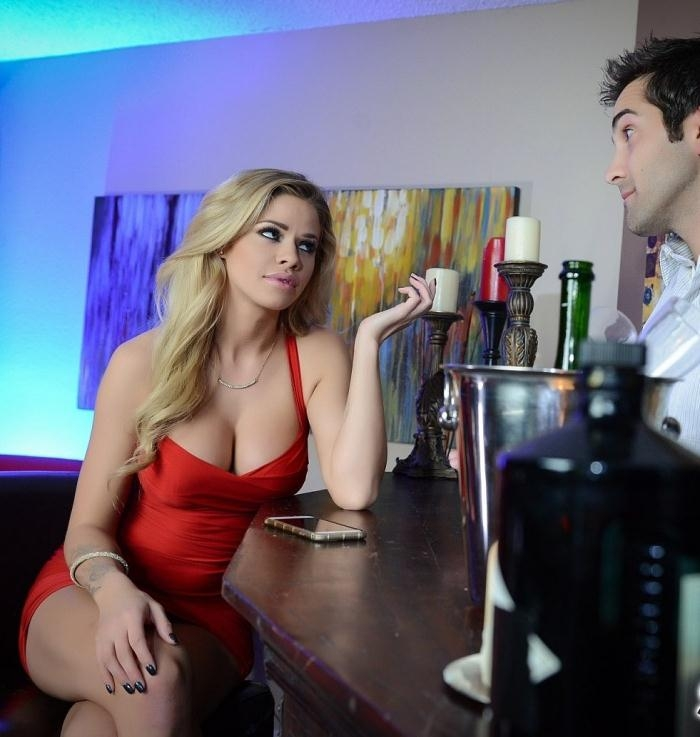 Jessa Rhodes - Jessa Rhodes At the Bar  [HD 720p]