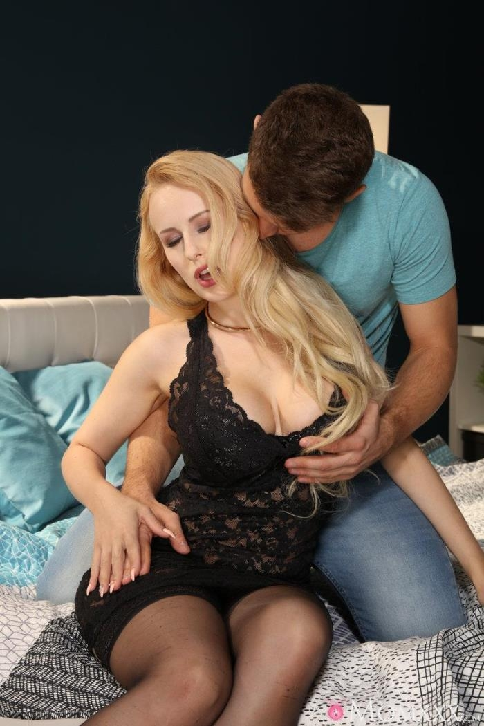 Angel Wicky - Hot load on blonde Milfs big tits [MomXXX, SexyHub] 480p