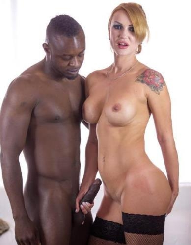 Iskra - Busty MILF Iskra Has Her First Interracial Experience (20.03.2017/Private.com/FullHD/1080p)