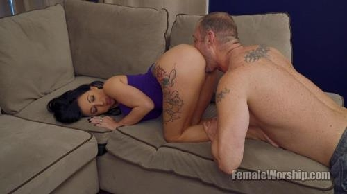 FemaleWorship.com [My Favorite Kind Of Yoga] FullHD, 1080p