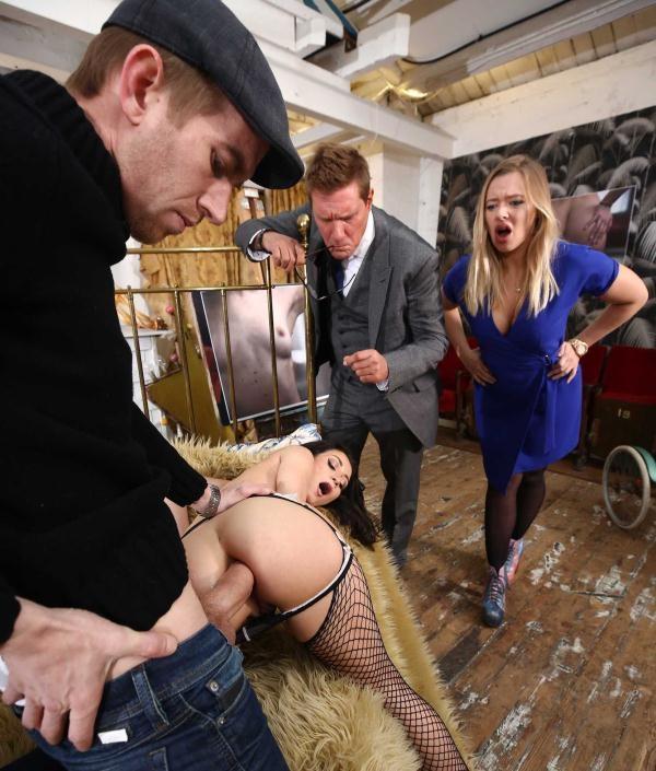 BrazzersExxtra: Valentina Bianco  - Valentinas Ass Is A Work Of Art (2017) HD  720p