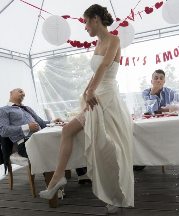 Cindy Shine - Hot Czech Cindy Shine fucks stepson and gets cum on tits at her wedding (KinkyInlaws) [HD 720p]