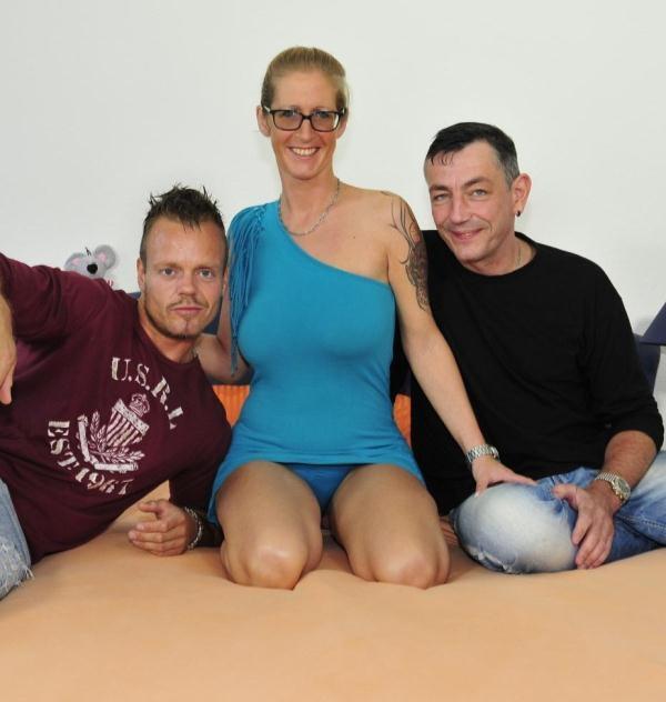 Jana L. - Nasty hardcore MMF threesome with big titted mature German blonde Jana L. (ReifeSwinger) [HD 720p]