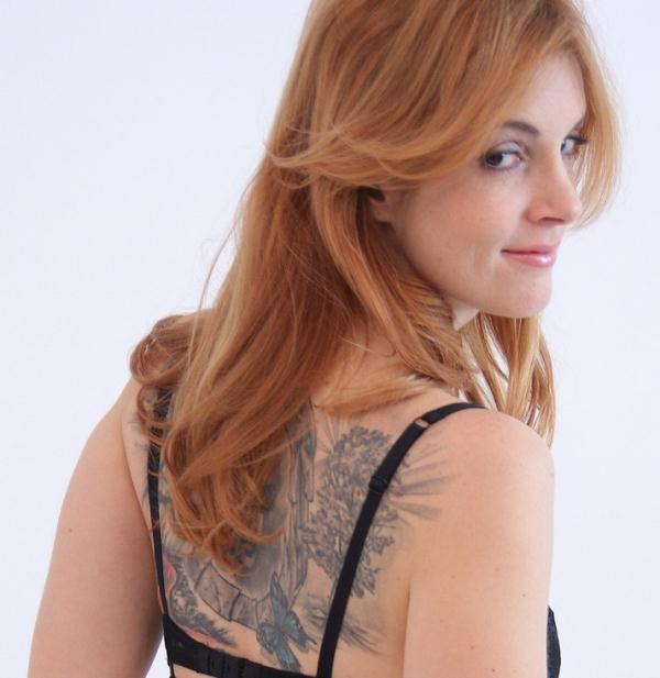 Irina Vega - Spanish babe in sexy photo shoot (FakeAgent) [HD 720p]