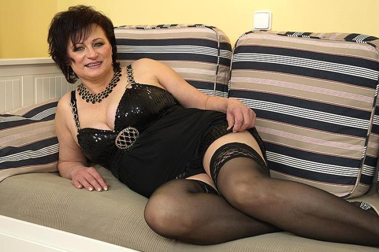 Dalia (56) - Horny housewife doing her toyboy / 06 Mar 2017 [Mature.nl / HD]