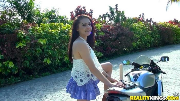 StreetBlowJobs.com / RealityKings.com - Kandi Quinn - Taste Like Kandi [SD, 432p]