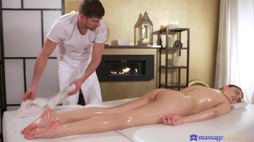 MassageRooms.com [Francesca Dicaprio - Squirting orgasms for hot brunette] FullHD, 1080p