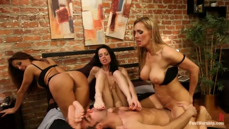 (Fetish / MP4) Veronica Avluv, Francesca Le, Tanya Tate - Foot Fetish FootWorship.com - HD 720p