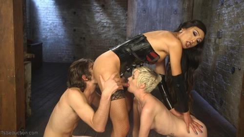 Venus Lux, Mercy West, Tony Orlando - Cramming Anatomy 101 With Venus Lux [HD, 720p] [TsSeduction.com/Kink.com]