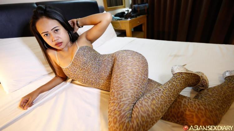Golf - Hot Asian Girl / 27 Mar 2017 [Asiansexdiary / HD]