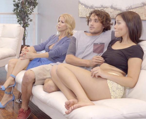 Alexis Fawx, Karter Foxx - What Were You Doing (Nubiles-Porn) [HD 720p]