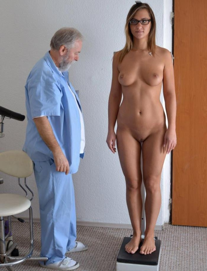 Naomi Bennet - 24 years girl gyno exam (Gyno-X) HD 720p