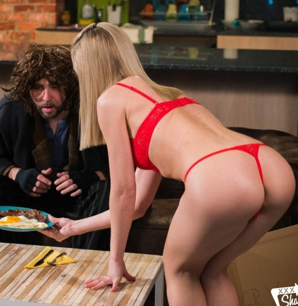 Sicilia - Steak and Blowjob Day celebration with Sicilia and homeless guy (XXXShades) [HD 720p]