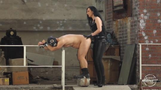 KinkyMistresses: Mistress Girlcock – Fucked in the Factory (HD/720p/122 MB) 22.03.2017