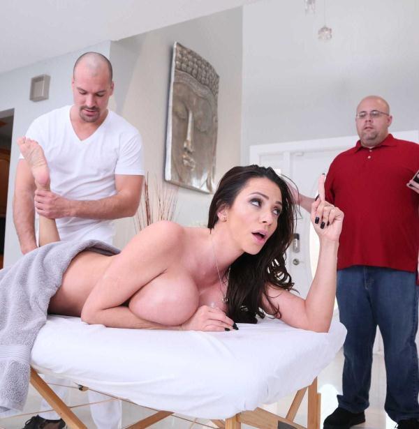 Ariella Ferrera - Rubbing Her The Right Way (DirtyMasseur) [HD 720p]