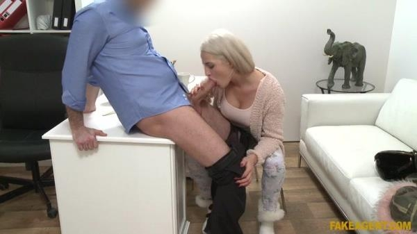 Nicole Vice - Hot Model Loves Cock with her Sushi - FakeAgent.com / FakeHub.com (SD, 480p)