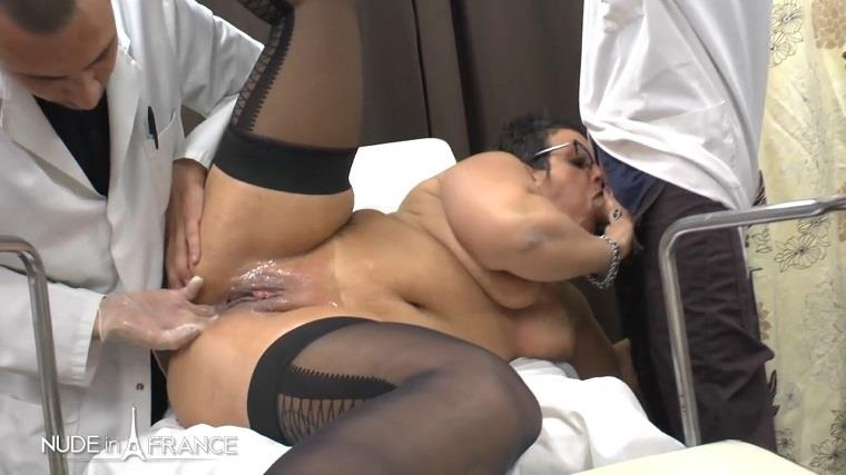 Nudeinfrance.com: Mrs Kelly is a BBW greedy squirt cougar mom getting her ass fist fucked and plugged at gyneco check-up [HD] (615 MB)