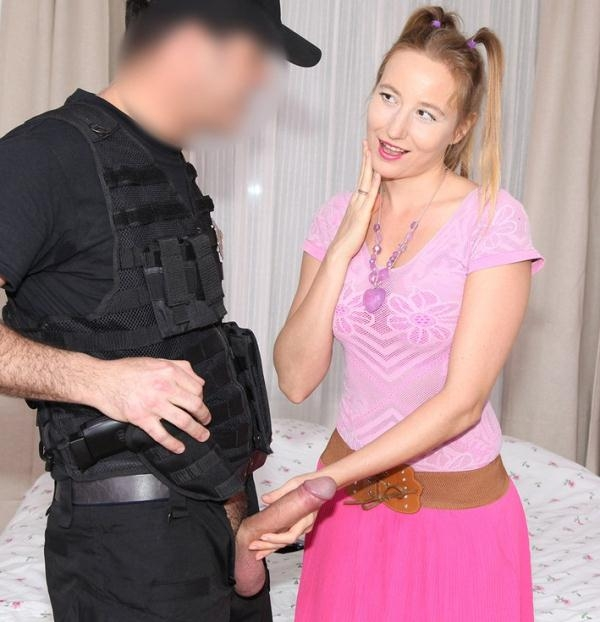 Kiki Cyrus - Cop Fucks Pigtailed Home Alone Lady (FakeCop) [HD 720p]