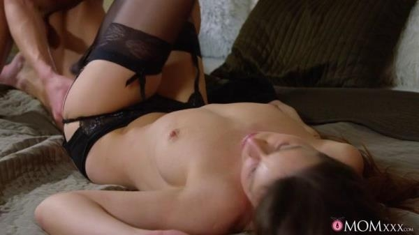 MomXXX, SexyHub - Caroline Ardolino - Creampie MILF brunette in stockings [SD, 480p]