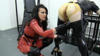 Clips4sale.com / Femdomfilms.eu [Miss Velour - Latex Dolly\'s Punch Fisting Orgasm] FullHD, 1080p