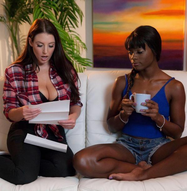 Ana Foxxx, Angela White - Milk Chocolate (WhenGirlsPlay) [FullHD 1080p]