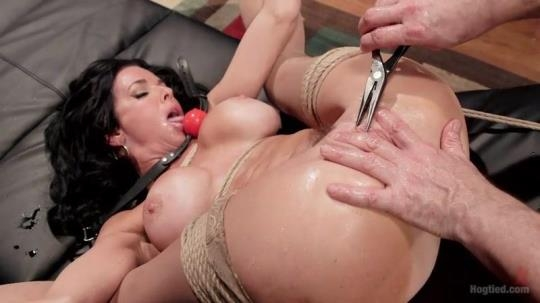HogTied: Veronica Avluv - Nympho Anal MILF Double Penetration Squirt Fest (SD/540p/546 MB) 22.03.2017