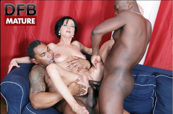 Nicol - Nicol Gets Double Penetrated in Interracial (DFBPorn) [HD 720p]