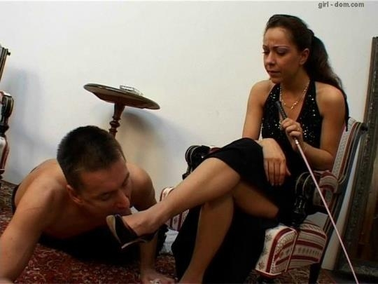 Girl-dom: Mistress and her Foot Slave (SD/576p/804 MB) 21.03.2017