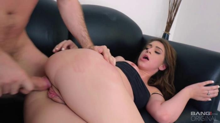 Joseline Kelly - Gives Up Her Pussy And Forehead To The Bang! / 14-03-2017 (Bang, Casting) [HD/720p/MP4/1.08 GB] by XnotX