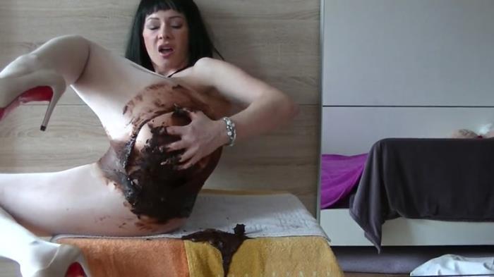 Dreckschleuder-Maria - Germany Shit (Scat Porn) FullHD 1080p