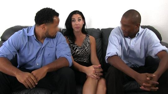 BlackAmbush: Daphne Interracial Threeway (HD/720p/1020 MB) 25.04.2017