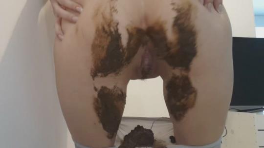 Scat Porn: Shit in pantyhose (FullHD/1080p/618 MB) 26.04.2017